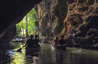 Cave Canoeing Tour - Barton Creek